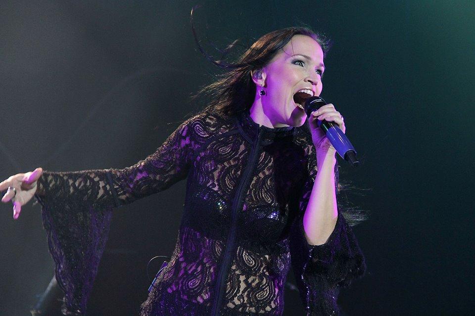 Tarja Turunen derrochó virtuosismo, simpatía y energía
