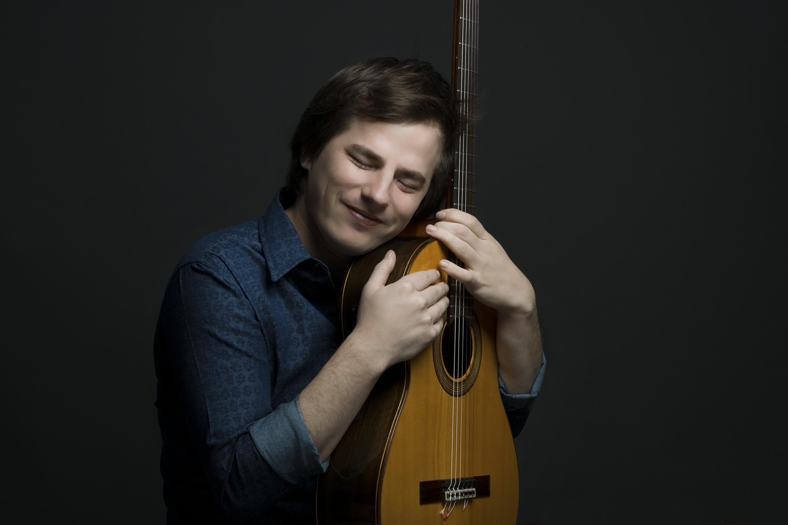 """Nahuel Pennisi presenta su nuevo álbum """"Feliz"""""""