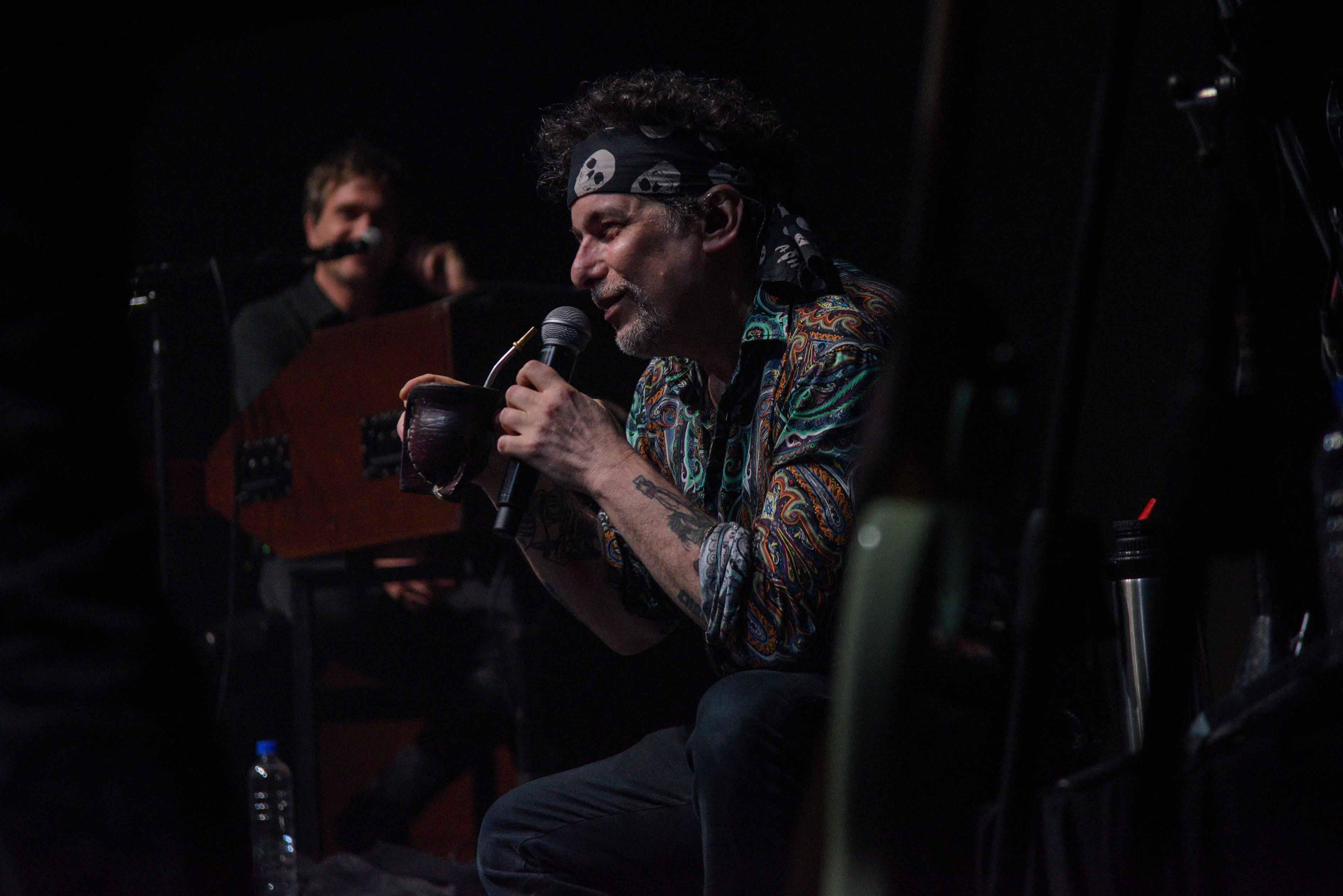 """Andrés Calamaro : un puñado de canciones """"que sabemos todos"""""""