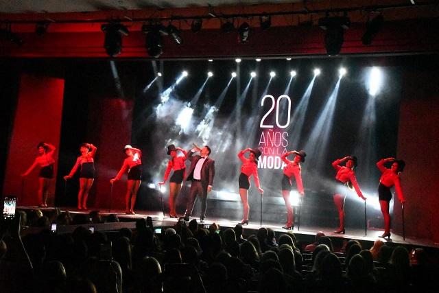 Adrián Caballero celebró sus 20 años de trayectoria en la moda