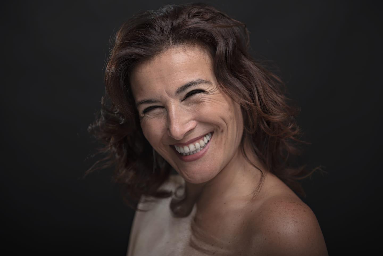 """Karina Levine presenta un show """"contundente y teatral"""" en streaming"""